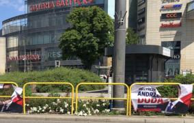 Przedwyborcza walka na niszczenie banerów