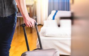 Turyści na Pomorzu są, ale omijają duże hotele