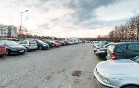 Od poniedziałku opłaty za parkowanie przy cmentarzu Łostowickim