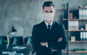 Pracownicy wciąż niepewni przyszłości, choć pojawia się optymizm