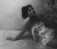 Julia Boros: oswaja przemijanie za pomocą sztuki