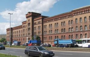 Czerwone Koszary przy Podwalu Przedmiejskim. Historia i przyszłość
