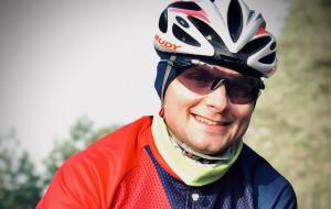 Bezpiecznie rowerem. Przejedzie 2 tys. km w 10 dni, żeby wesprzeć cel charytatywny