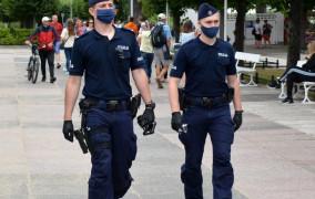 Kontrole w Sopocie. Dwie nielegalne dyskoteki i 60 mandatów