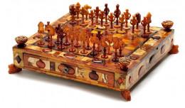 Muzeum Gdańska kupiło 330-letnie bursztynowe szachy za ok. 2,4 mln zł
