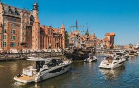 Parada luksusowych jachtów w Gdańsku