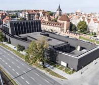 Widowisko na murach Teatru Szekspirowskiego