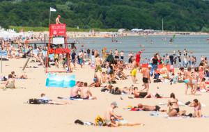Nie śmieć, nie syp piasku w oczy, czyli zasady plażowego savoir vivre'u