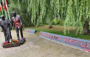 Pomnik Reagana w Gdańsku oblany farbą