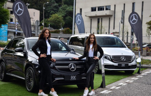 Hybrydowe i elektryczne Mercedesy na trasie triathlonu. Premiera EQV