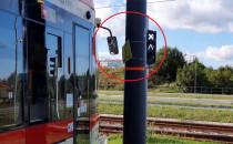 Słup, o który zawadzają tramwaje, przesuną...