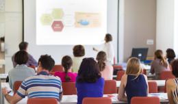 Na co stawiają przyszli studenci? Najpopularniejsze kierunki