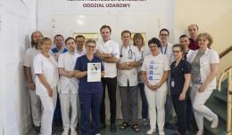 Klinika UCK wyróżniona za efektywne leczenie udarów niedokrwiennych mózgu