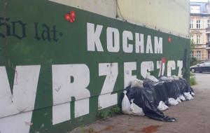 Mural zamiast remontu klatki w kamienicy we Wrzeszczu