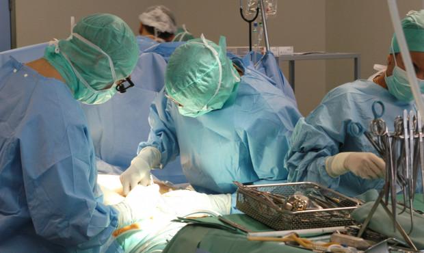 Lekarze z UCK przeszczepili płuca u 70-letniego pacjenta