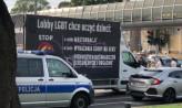 """Furgonetka """"anty-LGBT"""" na ulicach Trójmiasta. Doszło do szarpaniny"""