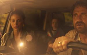 """Autostopem przez apokalipsę. Recenzja filmu """"Greenland"""""""
