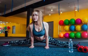Czy każdy może zrobić szpagat? Na co uważać, jak trenować?