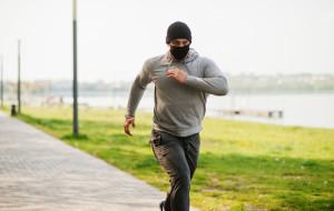 Uprawianie sportu na powietrzu bez maseczek