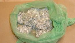 Ukryli w majtkach 90 porcji narkotyków