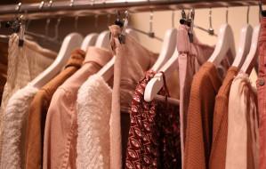 Odśwież swoją garderobę bez przepłacania - korzystaj z promocji i rabatów
