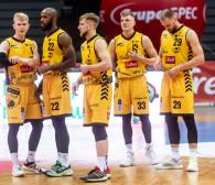 """Astoria Bydgoszcz - Trefl Sopot. Żółto-czarni mają najefektywniejszą """"5"""" w EBL"""