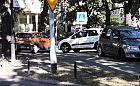 Zastawiają samochodami drogę do szpitala, a strażnicy miejscy walczą z koronawirusem