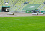 Trwa wymiana murawy na stadionie w Letnicy
