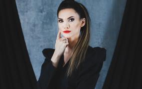 Jestem zlepkiem przeciwieństw - rozmowa z pisarką Małgorzatą Oliwią Sobczak