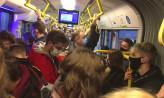 Pasażerowie mogą nie zostać wpuszczeni do przepełnionego tramwaju