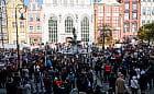 """Protest kobiet i """"Gastro Strajk"""" połączyły siły w Gdańsku"""