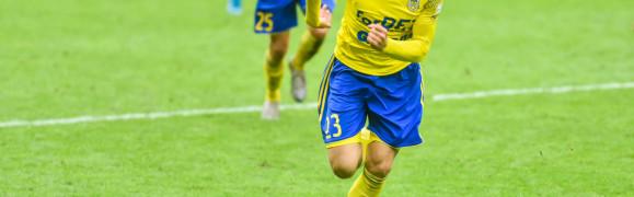 Arka Gdynia. Rafał Wolsztyński strzelił 4 gole w IV-ligowych derbach Trójmiasta