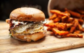 Jedzenie na telefon: test burgerów