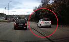 Kierowca ominął korek, jadąc po drodze rowerowej