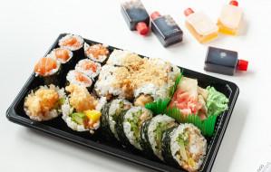 Jedzenie na telefon: testujemy sushi