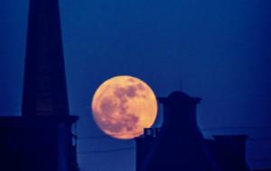 Dobry czas na obserwację nocnego nieba
