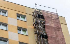 Ruszył remont balkonów blokowany przez mieszkańca