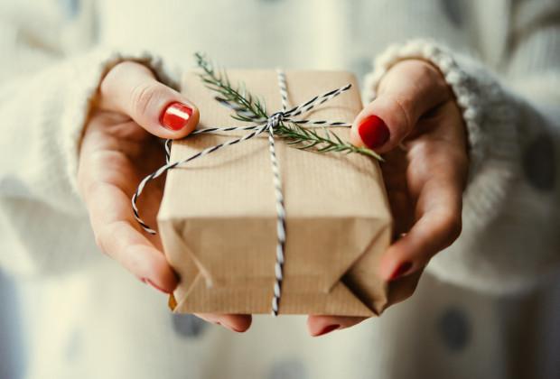 Mikołajki tuż, tuż: czy dorośli obdarowują się prezentami?