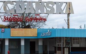 """Napis """"Solidarność"""" po białorusku zniknie z bramy Stoczni Gdańskiej?"""