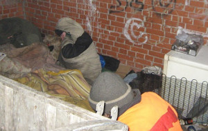 Skrajnie wychłodzony bezdomny uratowany