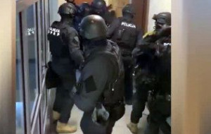 15 członków gangu sutenerów trafi przed sąd