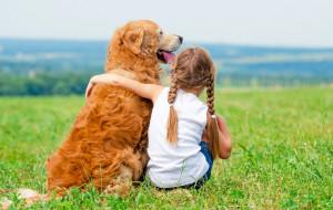 """""""Mamo, chcę zwierzątko!"""". Czy ulec prośbom dziecka?"""