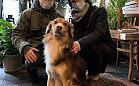 Pies Karmel: dobry duch kawiarni W Starym Kadrze