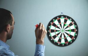 Dart - sport, który możesz uprawiać w domu. Jak trenować i ile kosztuje?