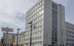 Helikoptery wylądują na dachu szpitala w centrum Gdyni