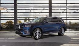 Kalendarz z Mercedesami na rok 2021. To już 16. edycja