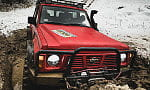 Off-road - sztuka topienia terenówki w błocie. Naucz się jej
