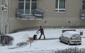 Odśnieżanie chodników. Czyj to obowiązek?