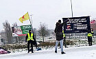 Ginekolog z Gdańska obrzucił jajkami homofobiczny transparent