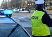 Pijany kierowca stanął na środku drogi, bo skończyła mu się benzyna